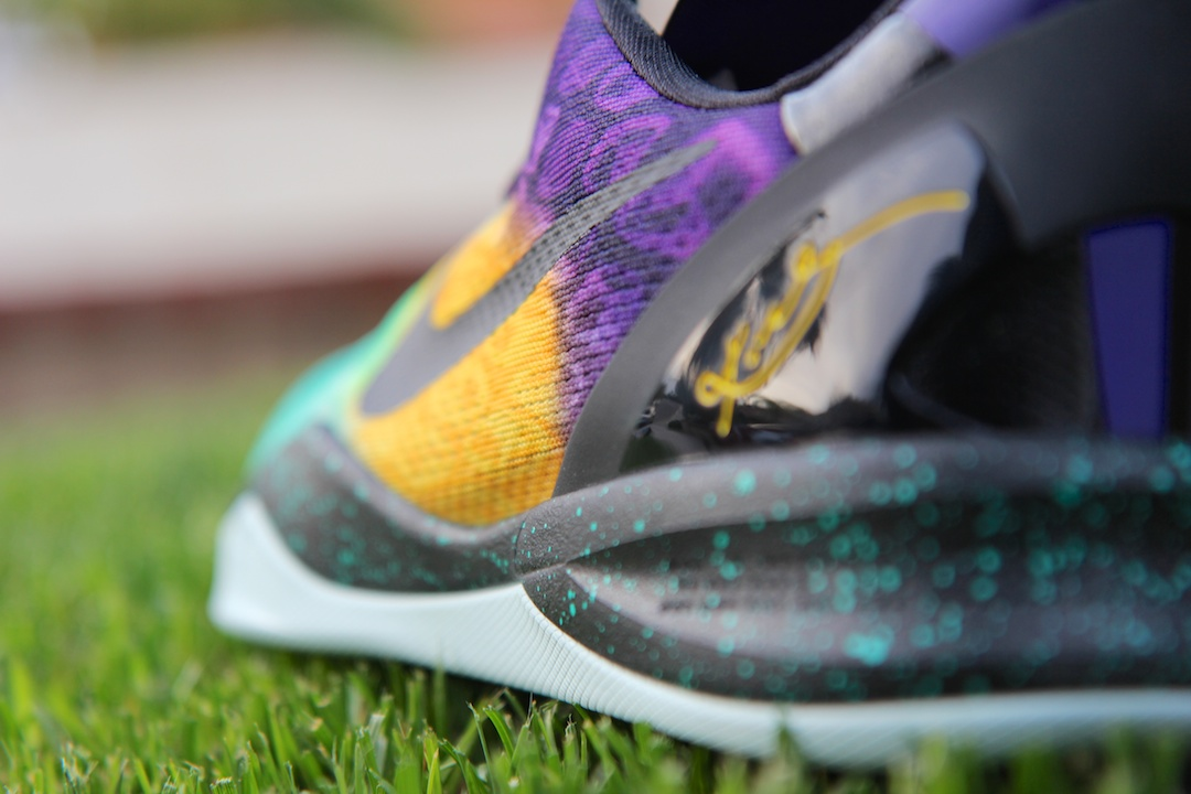 2013_Kobe 8 Easter Snake Lateral Side