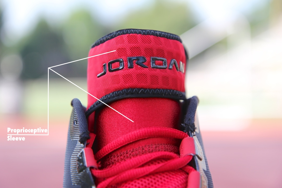 Jordan Trunner Dominate Pro Outsole Black/White - Gym Red Sleeve