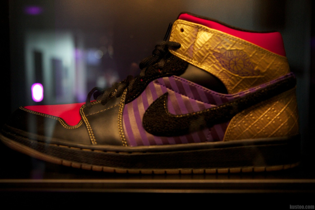 "Chris Paul Air Jordan1 ""Black/Gold"""