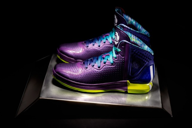 "D Rose 4 ""Chicago Nightfall"" Release and Presale Details"