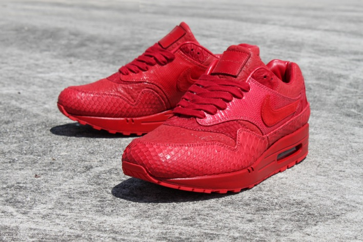 Nike Air Max Yeezy Red October
