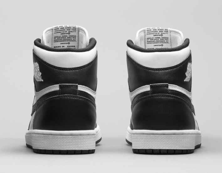 nike-air-jordan-1-black-white-retro-og-04