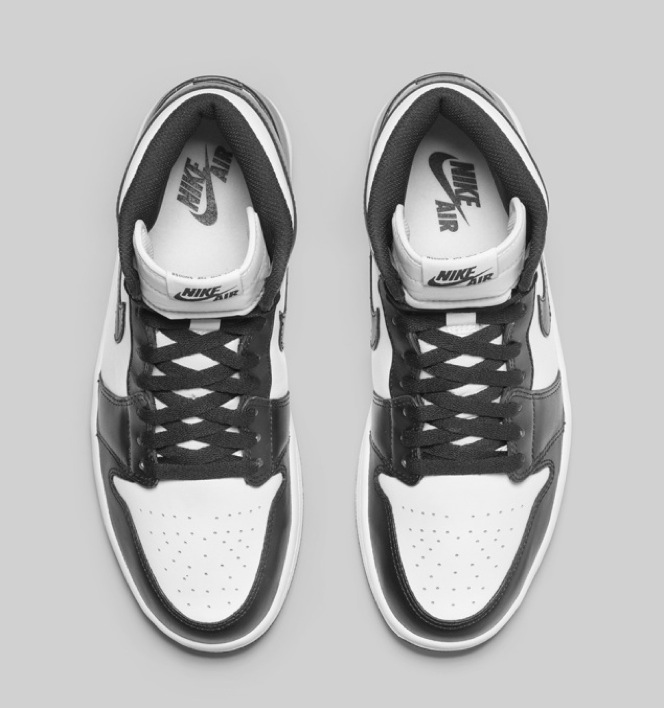 nike-air-jordan-1-black-white-retro-og-06