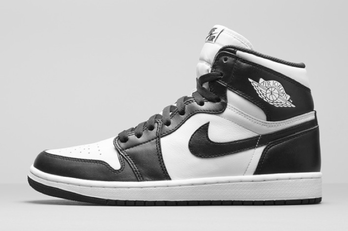 nike-air-jordan-1-black-white-retro-og-07