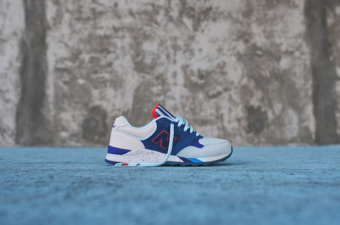 ronnie-fieg-new-balance-850-brooklyn-bridge-03
