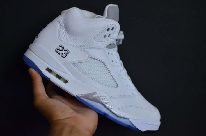air-jordan-5-white-metallic-02