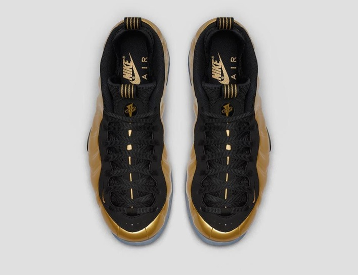 nike-air-foamposite-one-metallic-gold-02